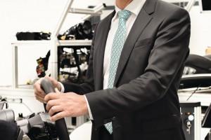 Uwe Michael, Leiter Entwicklung Elektrik/ Elektronik bei Porsche und Leiter des Programmausschusses der ELIV, ist überzeugt, dass die Ladezeiten der Batterien deutlich sinken werden Bild: Porsche