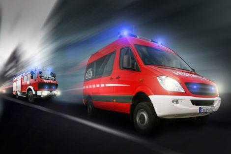 Einsatzfahrzeuge_der_Feuerwehr_im_Einsatz