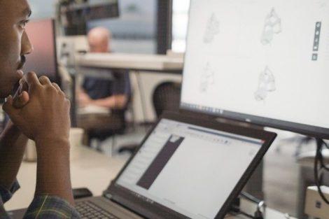 GM und Autodesk kooperieren bei 3D-gedruckter Sitzhalterung