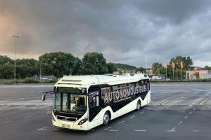 Autonomer_Bus_von_Volvo_-_aussen.jpg