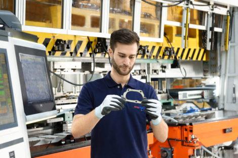 Spezialdichtsysteme_für_die_Bereiche_Motor,_Getriebe_und_Abgasanlage
