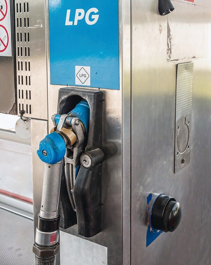 LPG_pump_station_for_filling_liquefied_gas_for_vehicles