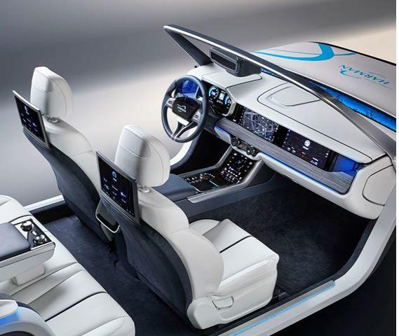 Harman-Connected-Car-Cockpit.jpg