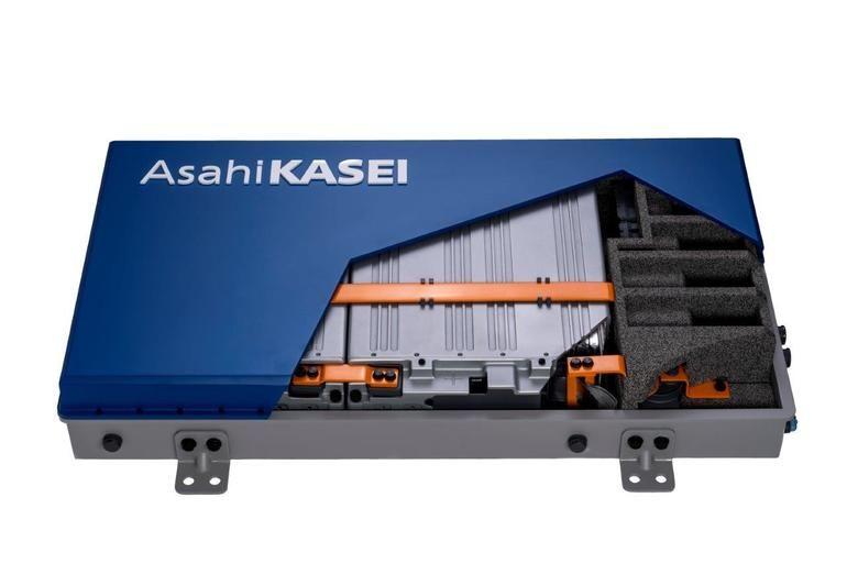 Lithium-Ion_Battery_Mock-Up_von_Asahi_Kasei.jpg