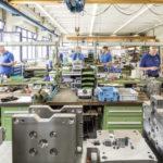Bau_von_Spritzgusswerkzeugen_in_der_eigenen_Werkzeugbau-Abteilung_von_Weiss