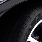 Moderne_Reifen_sind_hinsichtlich_Gummimischung_und_Profilgestaltung_optimiert_–_speziell_für_die_jeweilige_Jahreszeit